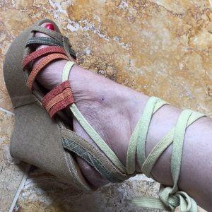 Shï by Journeys platform wedges/long ankle straps